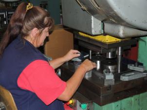 Výroba kovových doplňků a kompletace